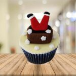 bts_falling_santa_cupcakes