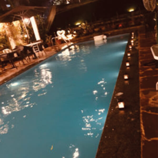 Romantic Poolside Dining at Hotel Heritage