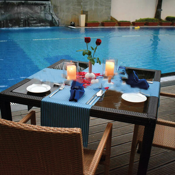 Dinner Date Night by the Poolside 3