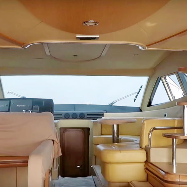 Luxurious Yatch Cruise (F&B Included)