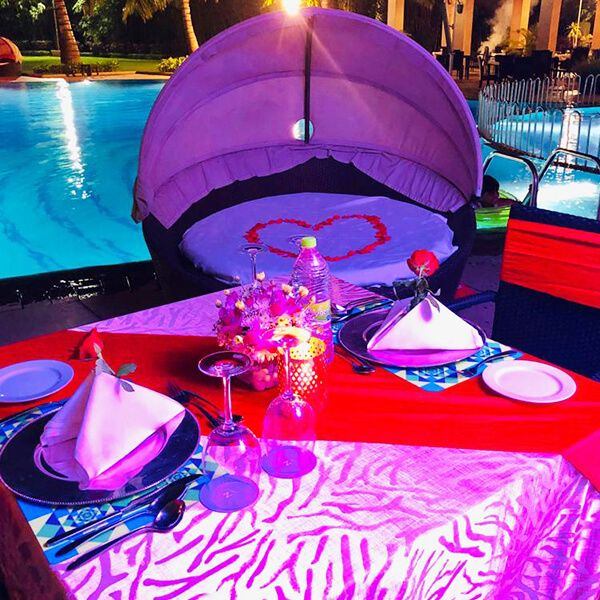 Poolside Candle Light Dinner